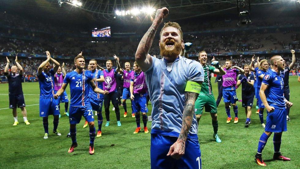 Esta es la primera vez que juega una Eurocopa y junto con Gales y Polonia, son los equipos que debutarán en cuartos de final en este torneo.