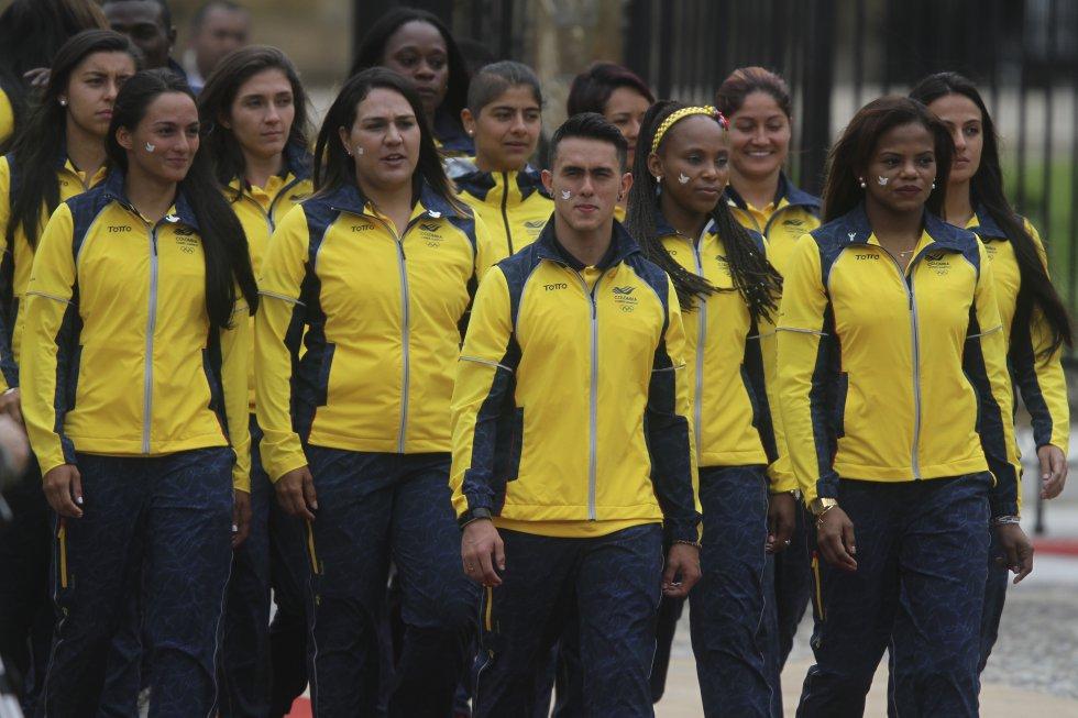 Delegación de deportistas colombianos encabezados por Jossimar Calvo y Jackeline Renteria.