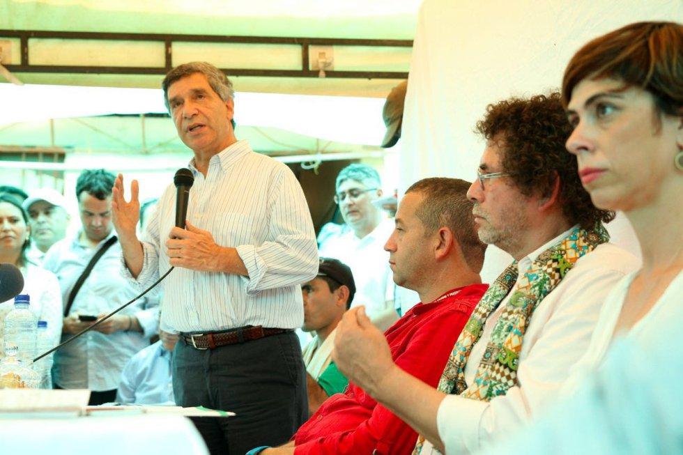 El plan fue presentado por el Gobierno, Farc, ONU, y los países garantes Holanda y Cuba.