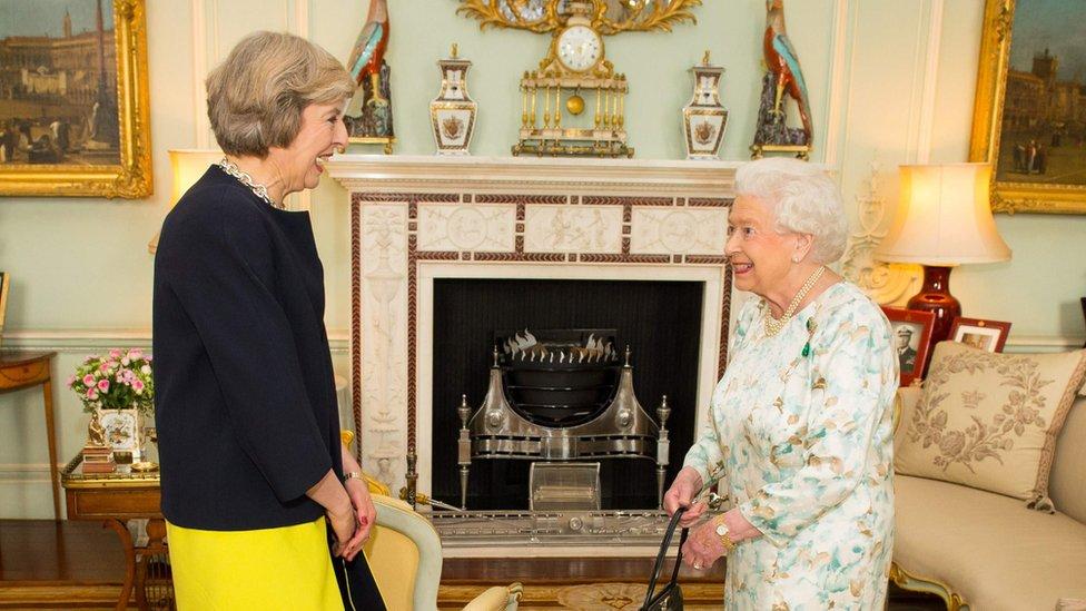 May se convirtió en primera ministra luego de aceptar una invitación de la Reina para formar un nuevo gobierno.