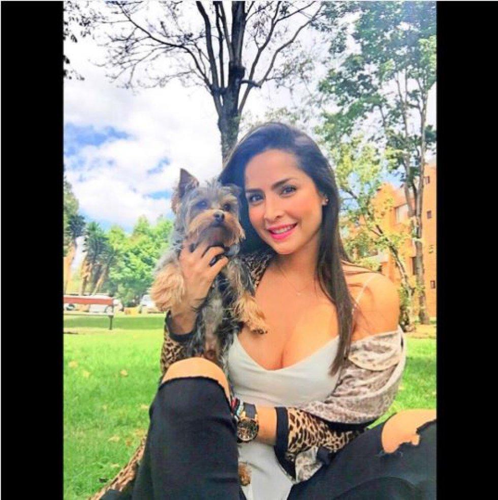 Yorley del Carmen Villalobos Barrios nació en Barranquilla el 13 de julio de 1983.