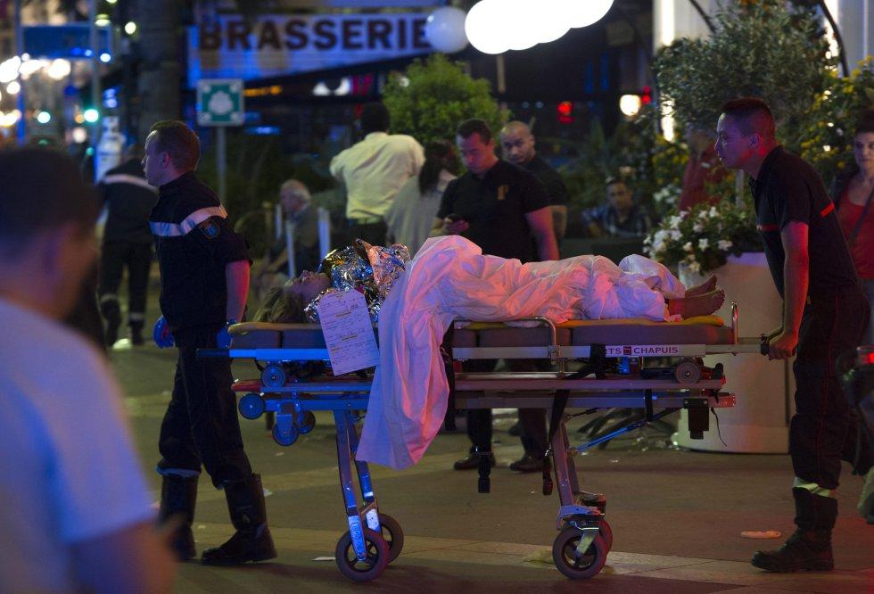 """Según explicó el presidente de la región, Christian Estrosi, en declaraciones a """"BFM TV"""" el autor del atentado llevaba el camión cargado con armas."""