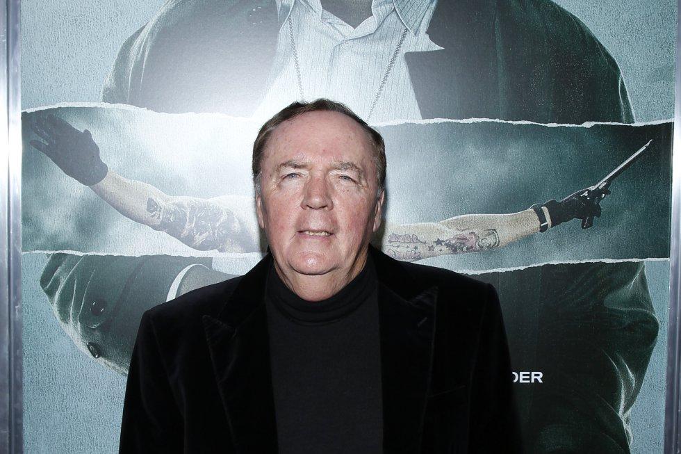 El escritor que ha logrado superar Guiness Records en ventas, James Patterson está en el tercer lugar con una suma de 95 millones de dólares.