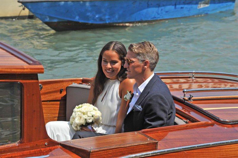 El pasado martes la pareja se casó en una ceremonia civil y el miércoles lo hicieron con una boda religiosa.