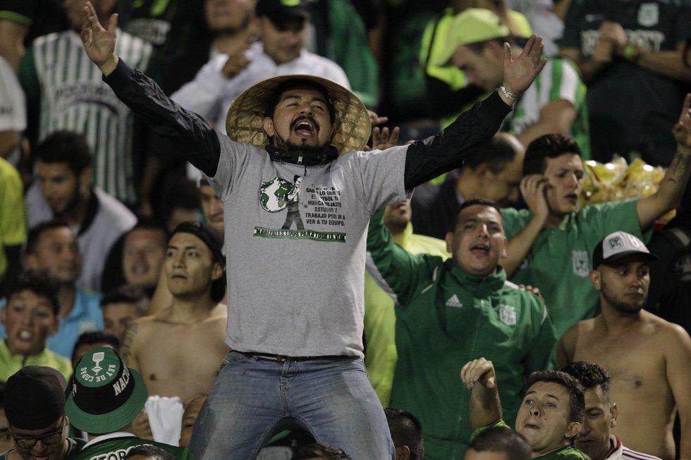 Los hinchas de Nacional asistieron de forma masiva al estadio Atahualpa.