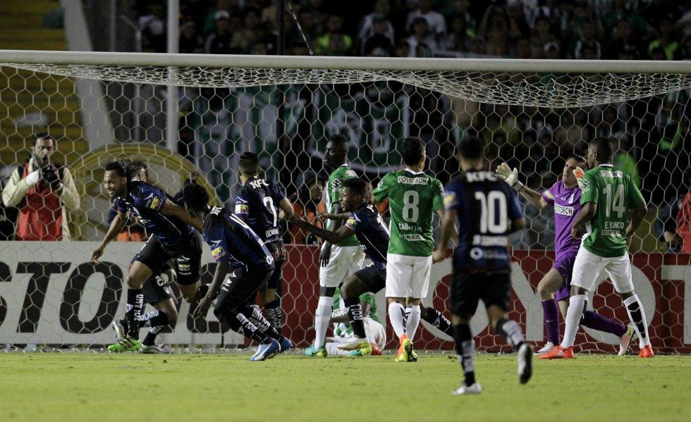 Arturo Mina igualó el juego tras un error de Mina.