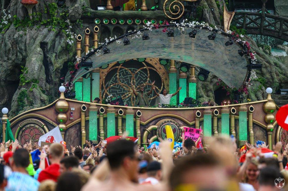 Cerca de 190 mil personas reunió el festival durante su primer día.