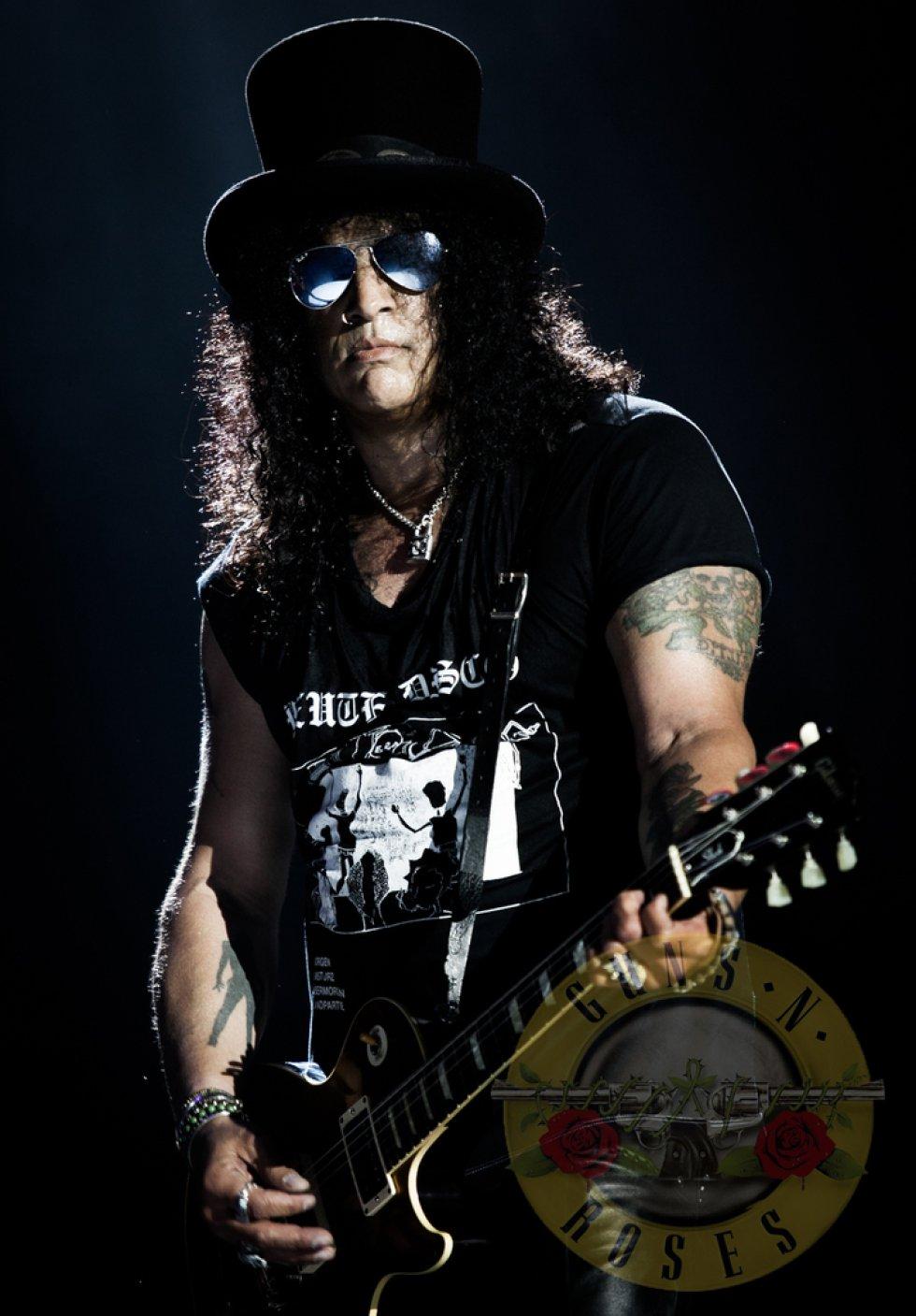 Slash ha tenido colaboraciones para distintos artistas, entre ellos se destacan Bob Dylan, Michael Jackson, Iggy Pop, Alice Cooper, Lenny Kravitz, Steven Tyler y The Rolling Stones.