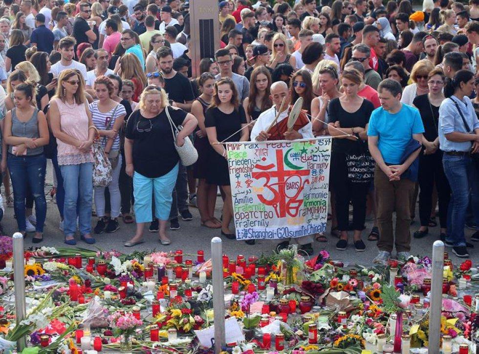 Policía alemana apunta a una posible influencia de Breivik en tiroteo Múnich.