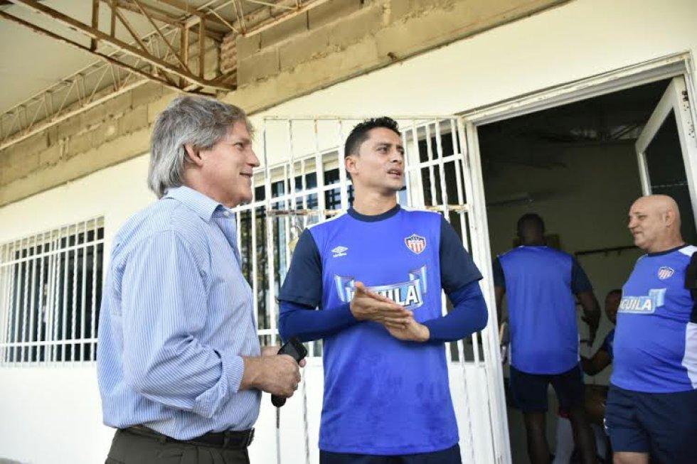 Hernández se puso al frente del equipo este lunes.