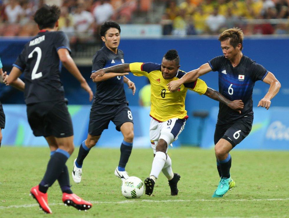 Dorlan Pabón en el juego entre Colombia y Japón que terminó empatado a dos goles.