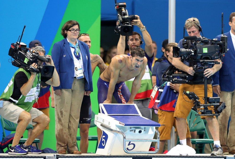 Michael Phelps, el deportista más laureado en la historia de los Juegos Olímpicos, agigantó este su leyenda, tras conquistar su vigésimo tercera medalla, la decimonovena de oro, tras conducir al triunfo al equipo norteamericano en la final del relevo 4x100 libre.