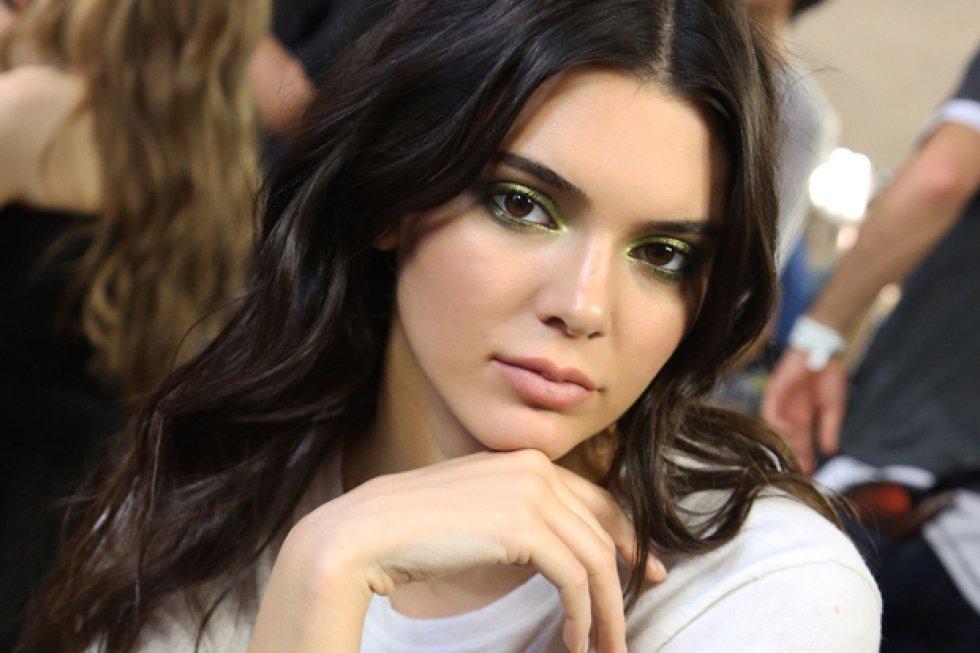 Al parecer Kendall Jenner tiene el mismo gusto de sus hermanas en los hombres, porque en los últimos meses la han visto en varios lugares de Nueva York con el rapero Rakim Mayers, más conocido como A$AP Rocky.