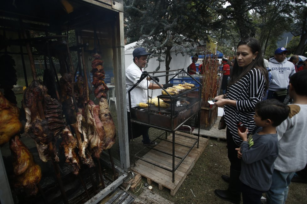 El festival acoge y reúne una variada carta gastronómica que le permite a los comensales disfrutar de su plato predilecto.