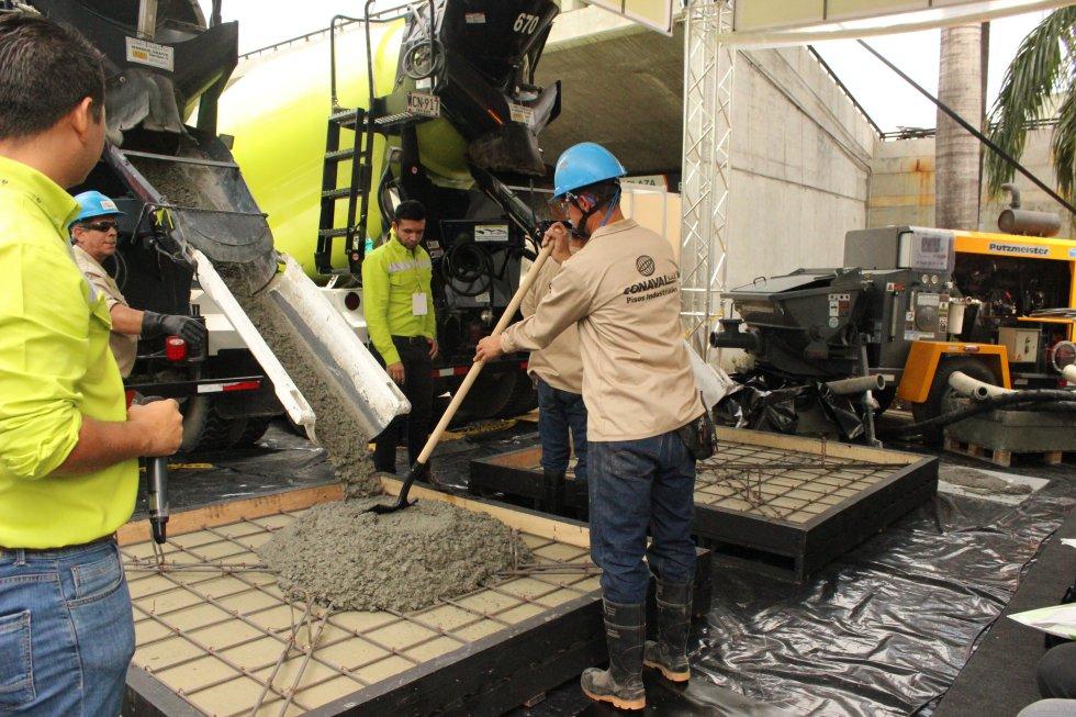Una de las grandes diferencias entre un concreto y otro es la automatización para tomar forma y desplazarse por los equipos estructurales. El concreto plástico necesita de más acciones del usuario para su implementación.