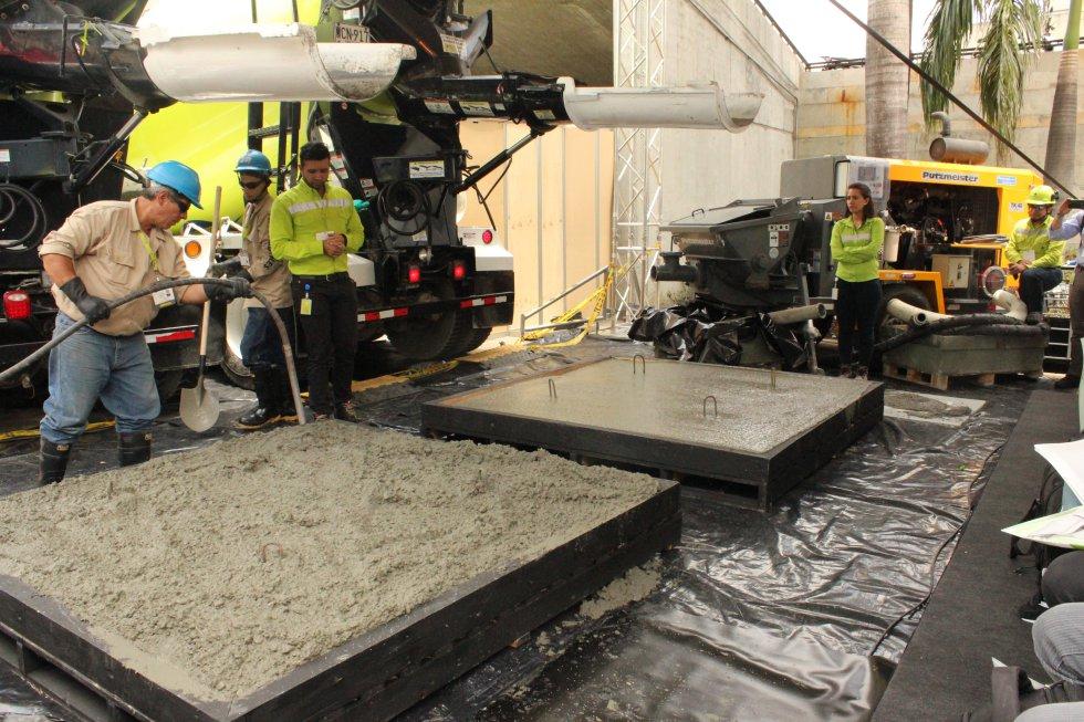 Por lo tanto, se acortan los tiempos de construcción, aumentando la productividad. Facilita la consolidación de la estructura en áreas de gran densidad de acero o encofrados estrechos.