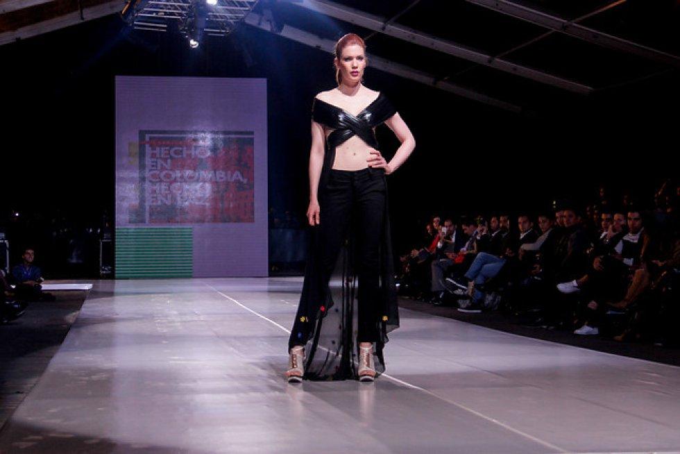Cantillo mostró la colección masculina de la marca Akyla Jeans y Ortiz, la femenina de New Jeahs.