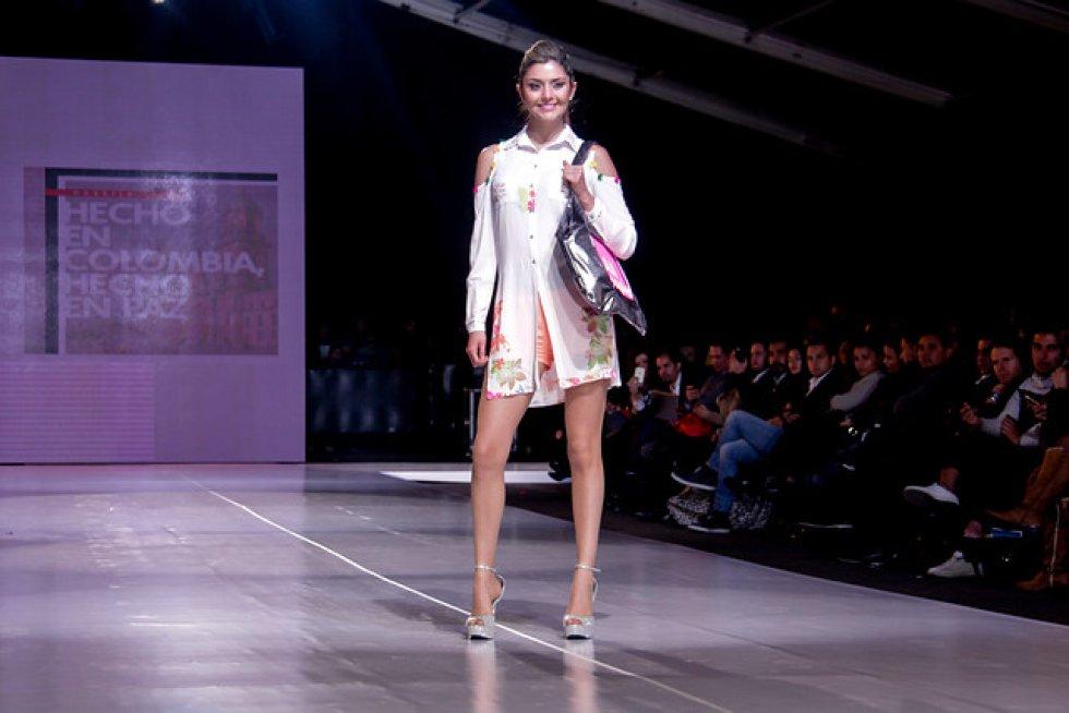 El desfile fue liderado por las diseñadoras nacionales, Lina Cantillo y María Luisa Ortiz.