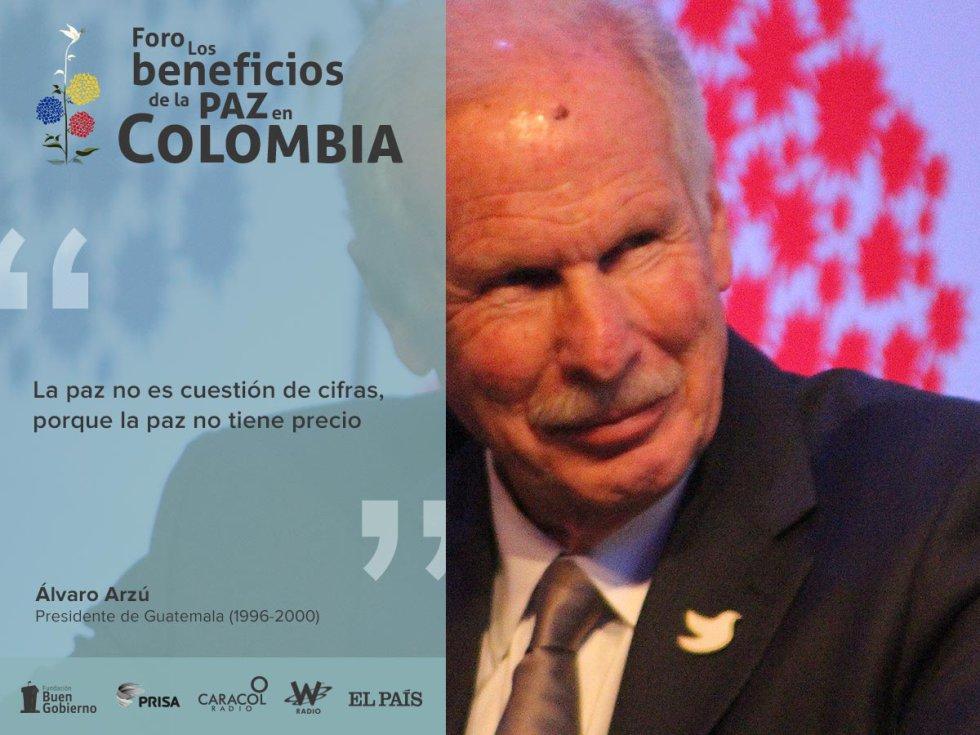 Darío Arizmendi modera el panel en el que Ernesto Samper, Ricardo Lagos, Felipe González y Álvaro Arzú hablan del rol de Colombia en la región.