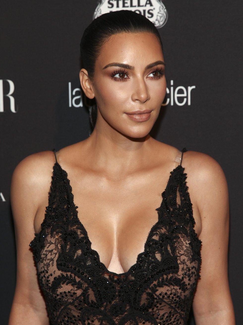 En la semana de la moda de París también se está llevando todas las miradas y críticas de los asistentes y seguidores de Kim.