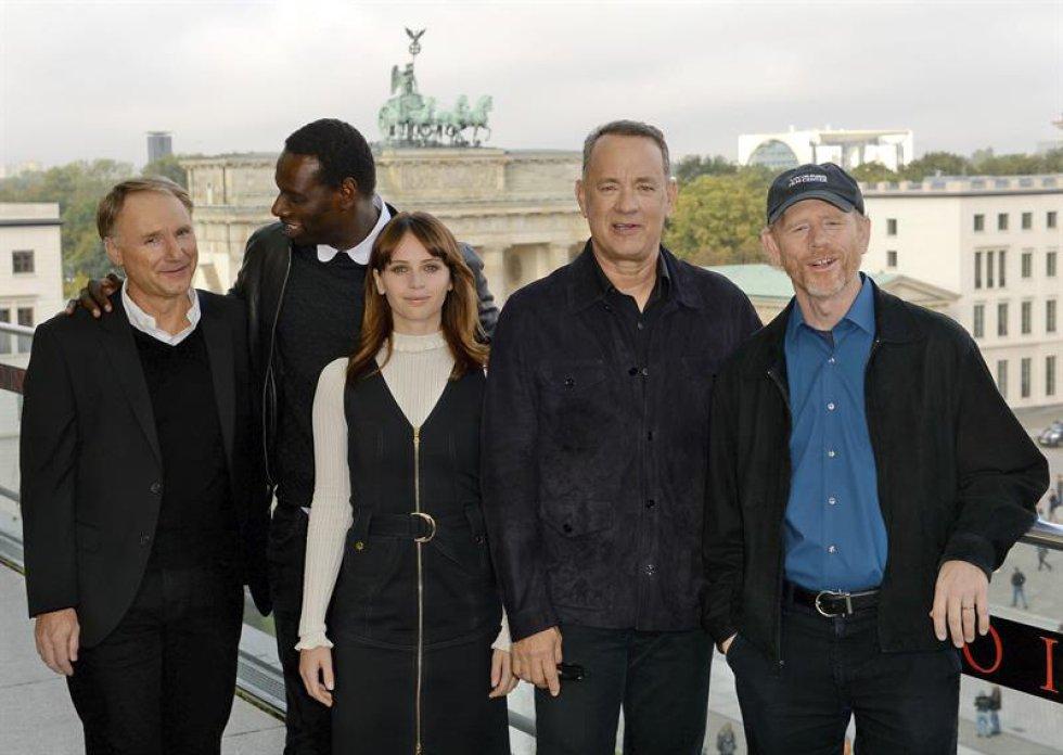 El autor estadounidense Dan Brown, el actor francés Omar Sy, la actriz británica Felicity Jones, el actor estadounidense Tom Hanks, y el el director Ron Howard.