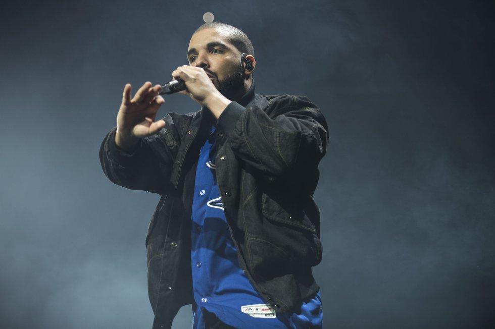 Drake acaba de terminar su relación con la cantante Rihanna al parecer por falta de tiempo, pero el rapero ya tiene nueva pareja.