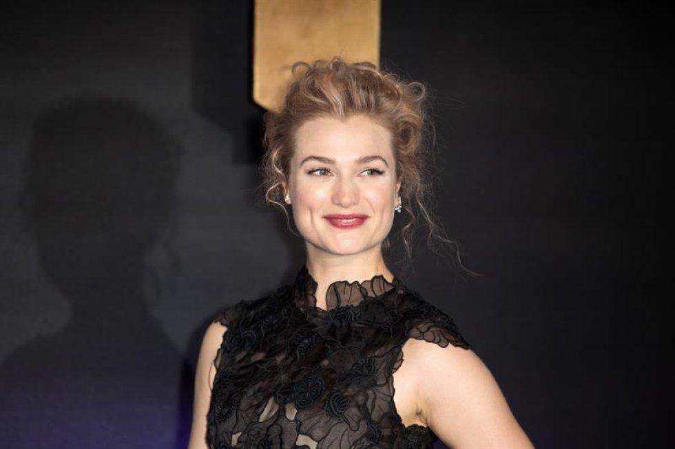 La actriz estadounidense Alison Sudol posa a su al estreno europeo de la película.