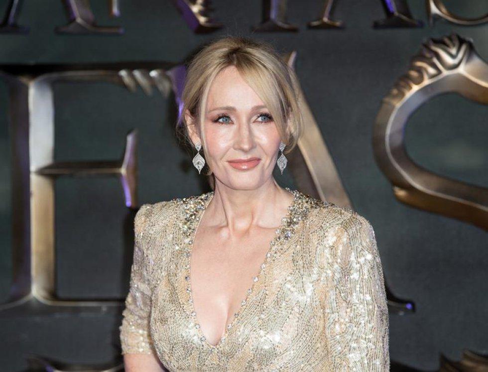 """La escritora J.K. Rowling debuta como guionista en una nueva saga de aventuras mágicas que empieza con """"Fantastic Beasts and Where to Find Them"""", donde ya se intuyen las conexiones con el universo Harry Potter."""