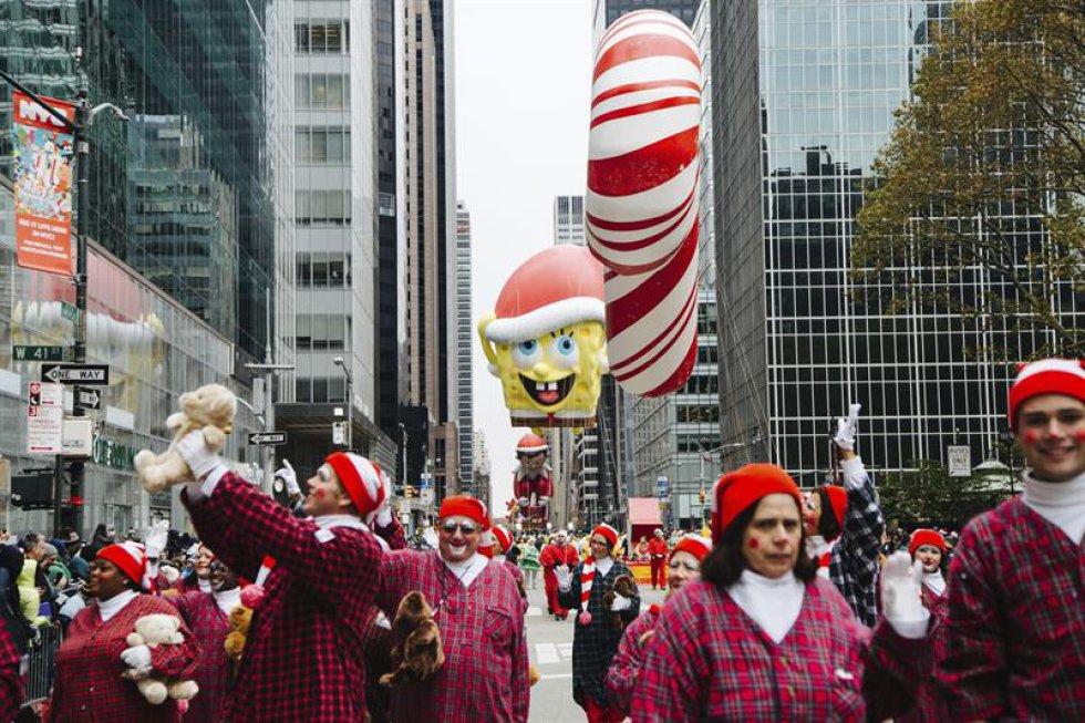 Bob Esponja fue uno de los globos que desfiló durante el evento,