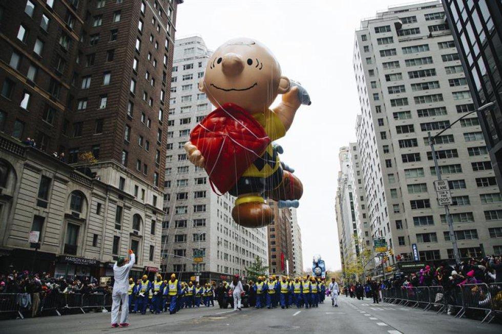 Charlie Brown, el dueño de Snoopy -personaje principal del cómic Peanuts-, es uno de los más aclamados por los asistentes.