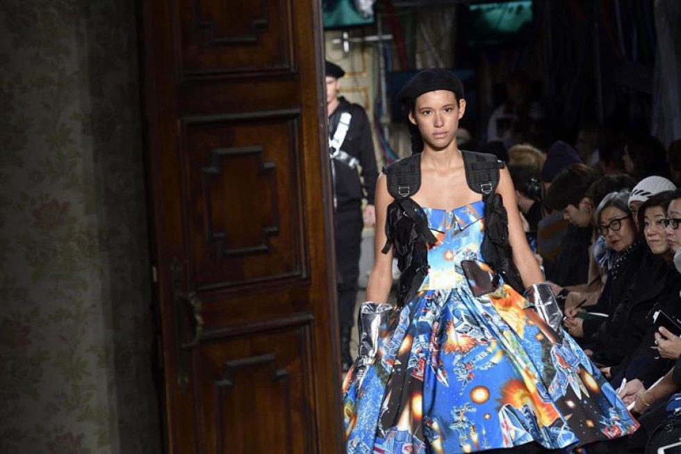 Grandes de la moda como Marc Jacobs, Ermenegildo Zegna, Giorgio Armani, Alexander McQueen y muchos más todos reunidos en la Semana de la Moda de Milán.