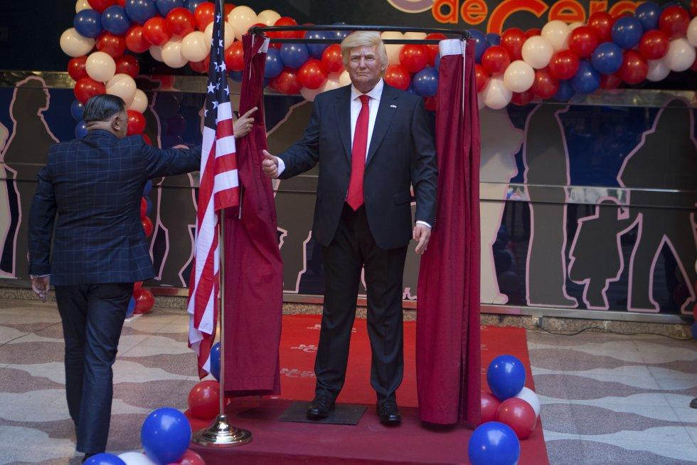 Donaldd Trump fue replicado con su cabellera rubia y sus más de dos metros de altura.
