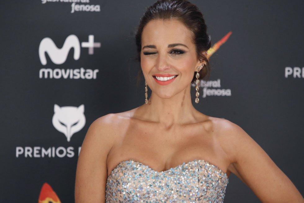 """La actriz Paula Echevarría posa a su llegada a la entrega. Recordada por series como """"Revólver"""" y películas como """"Las Locuras De Don Quijote""""."""