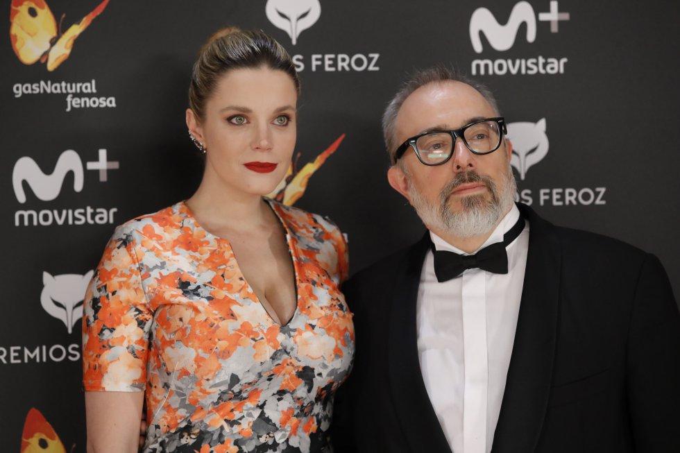 """El director Alex de la Iglesia y su esposa Carolina Bang. """"El Día de la Bestia"""" y """"La Comunidad"""", son algunas de sus obras más destacadas."""