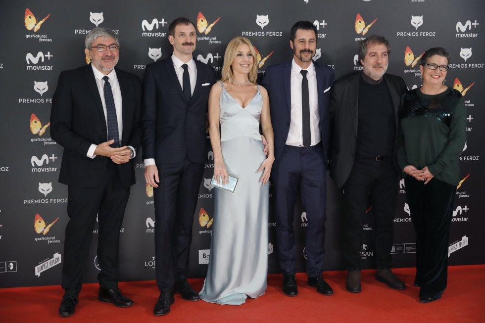 Los actores Julián Villagrán, Cayetana Guillén Cuervo y Hugo Silva, entre otros.