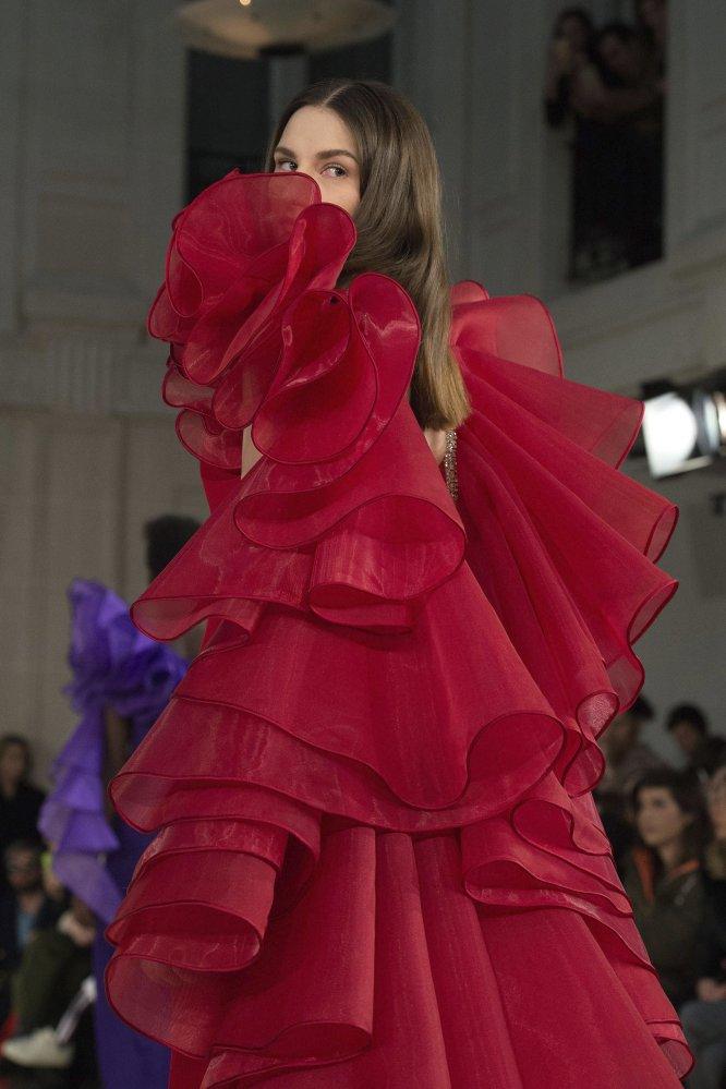 La alta costura de la colección primavera/verano 2017 del diseñador francés Alexis Mabille.
