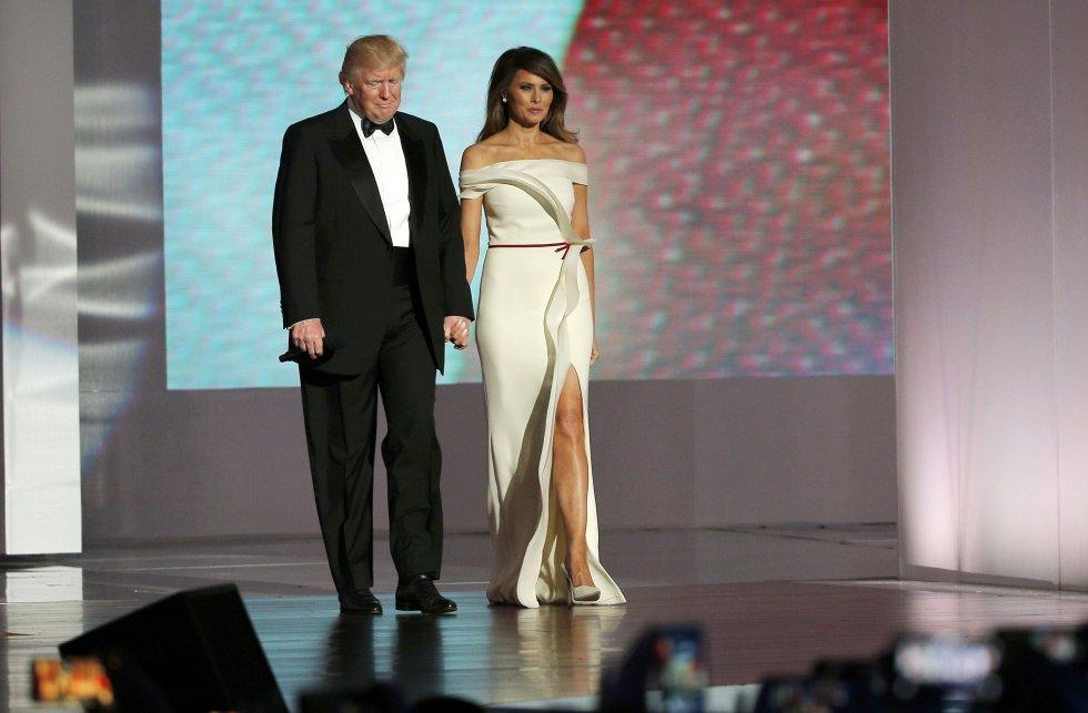 Se nacionalizó como estadounidense en 2016.