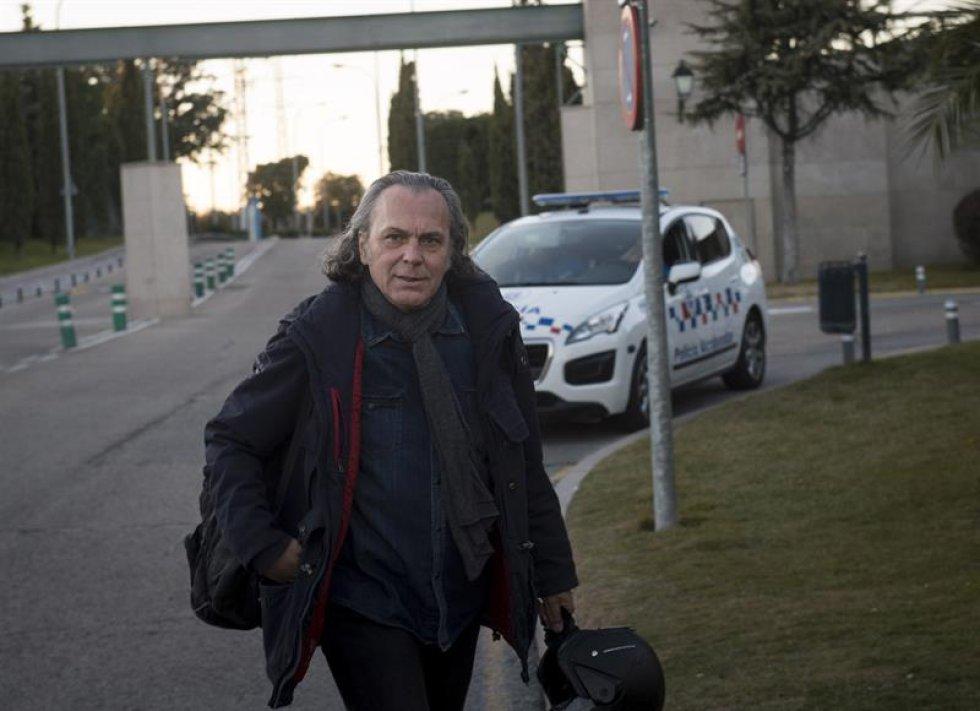 El actor José Coronado a su llegada al tanatorio de La Paz.