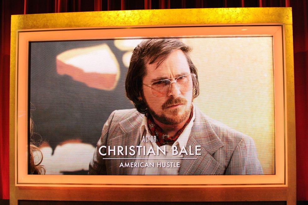 """""""Escándalo Americano"""" obtuvo diez nominaciones a los Óscar 2014. Para este papel, Bale tuvo que engordar 20 kilos."""