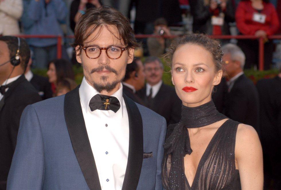 Vanessa Paradis y Johnny tuvieron una gran relación, quizás fue el amor de la vid del actor. Tiene dos hijos.