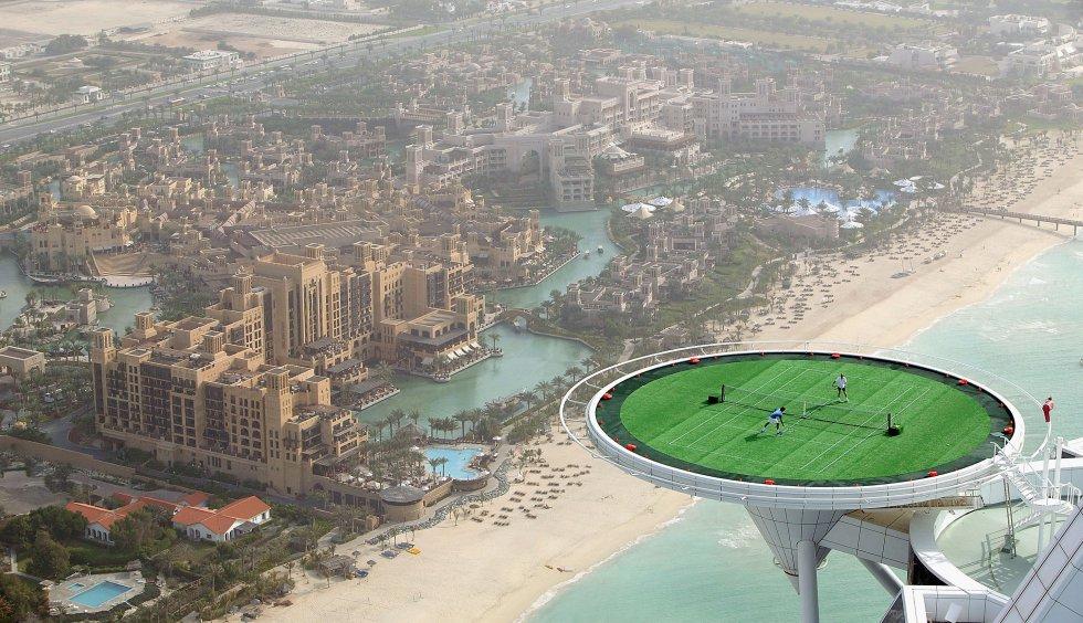 Dubái, parte de los Emiratos Árabes Unidos, fue en algún momento una pequeña ciudad de comerciantes beduinos.