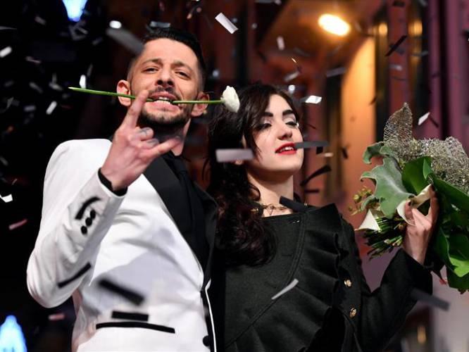 El festival de Sanremo se celebra en Italia desde 1977 y por él han pasado cantantes como Andrea Bocelli, Nek, Madonna, Laura Pausini y Eros Ramazzotti. En la foto: Los cantantes italianos Nesli (i) y Alice Paba (d)