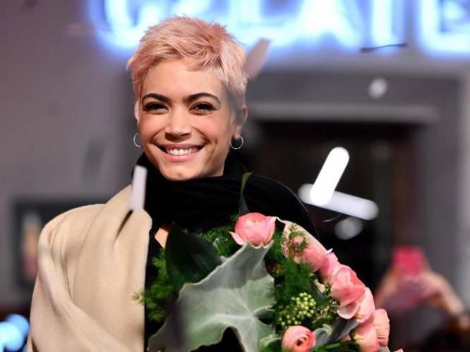 La cantante italiana Elodie llega a la alfombra roja de la edición 67 del Festival de la Canción de Sanremo en el teatro Ariston, en Sanremo (Italia).