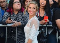 Elsa Pataky transforma a Chris Hemsworth en Superman