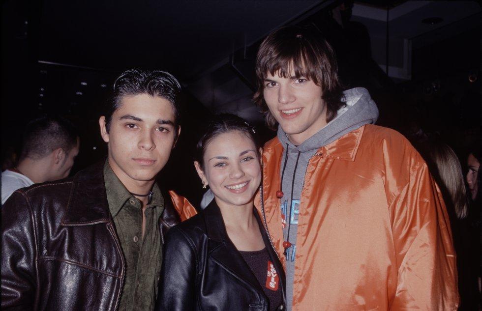 Wilmer Valderrama, Ashton Kutcher y Mila Kunis se conocen desde que eran parte de That '70s Show.