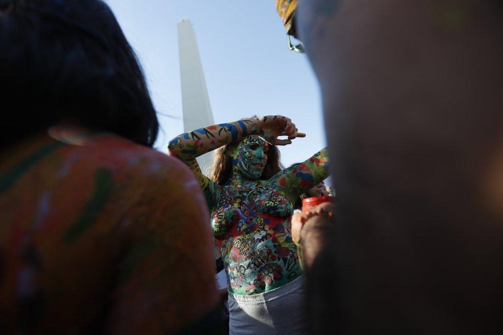 """""""El tetazo"""", es el nombre con el cientos de argentinas salieron a las calles para protestar en favor del topless"""