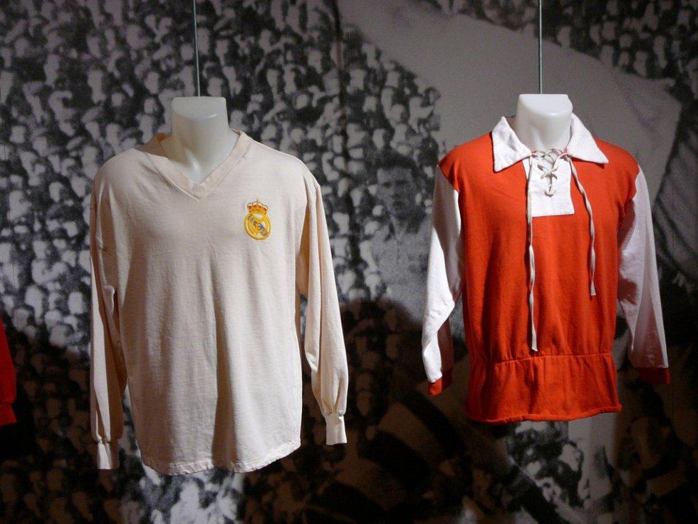 Futbolasta incluye en su lista de exposición recuerdos de los mundiales Uruguay 1930, Brasil 1950, Chile 1962, México 1970, Argentina 1978, USA 1994, Brasil 2014.