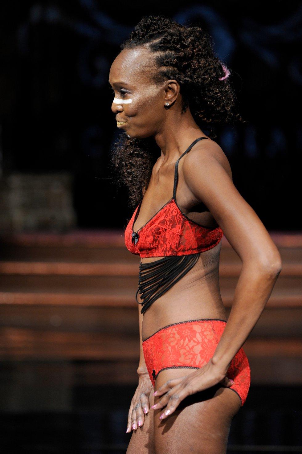 La diseñadora Donofree ideó una marca especial para mujeres que han perdido sus pechos.