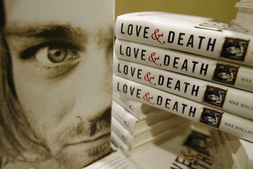 El 5 de abril de 1994, fue encontrado muerto en su casa en Seattle con un disparo en la cabeza. La causa es desconocida, unos afirma que fue un suicido. Otros, que fue asesinado por su mujer Courtney Love.