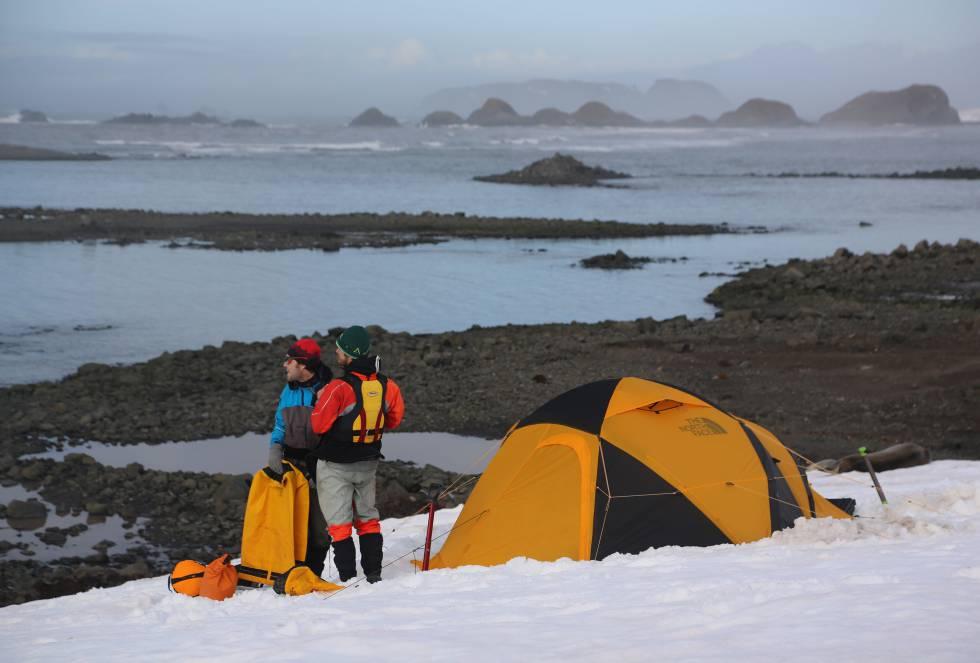 La expedición no contaba con ningún tipo de apoyo exterior, lo que forzaba a los deportistas a ser autosuficientes y a resolver cualquier tipo de dificultad que se presentara durante la navegación.